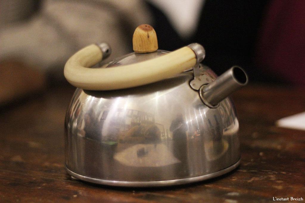 Accompagné d'un thé chaud