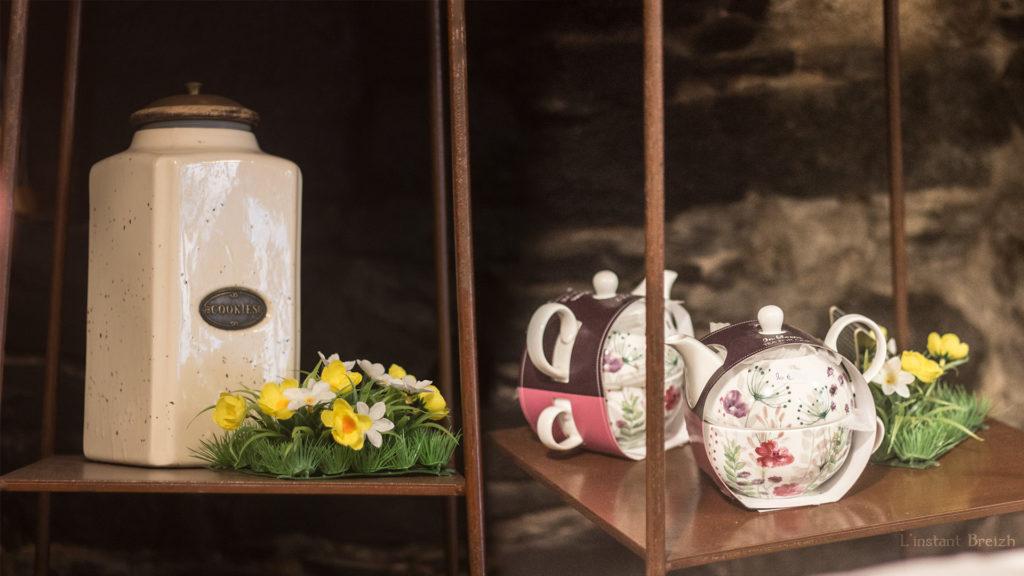Théière et mugs à vendre